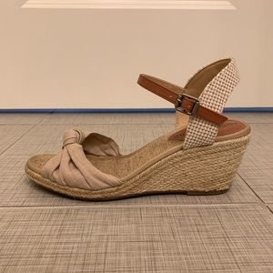 Lucky Brand Nude Wedge Sandals/ Espadrilles size 7